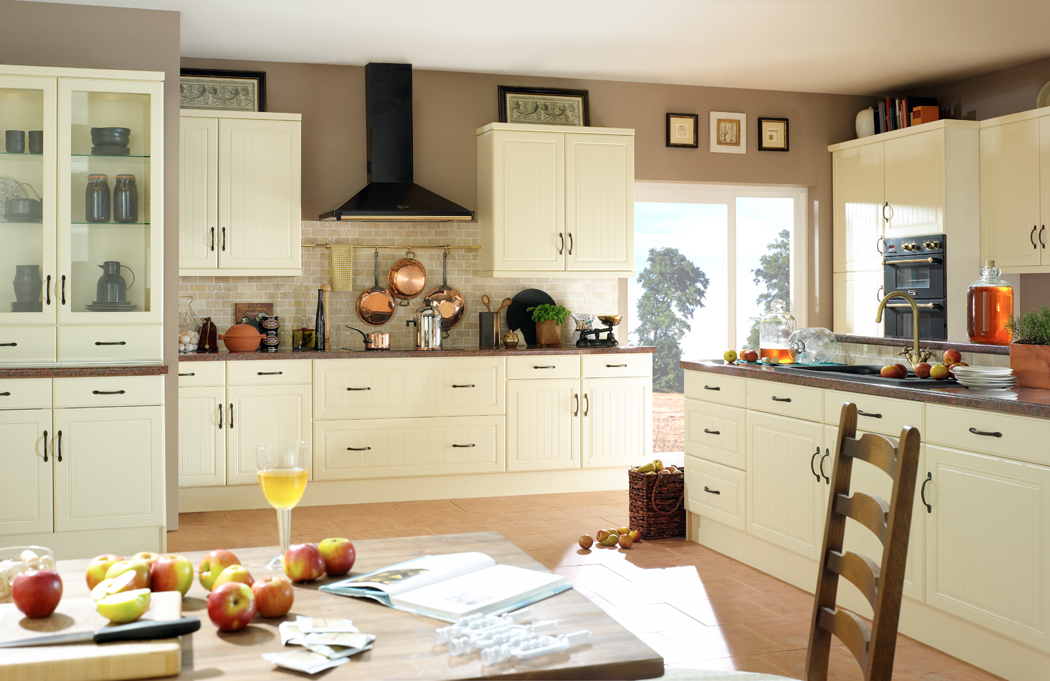 Devon kitchens kitchenworld exeter celine cream kitchen for Cream kitchen cupboards