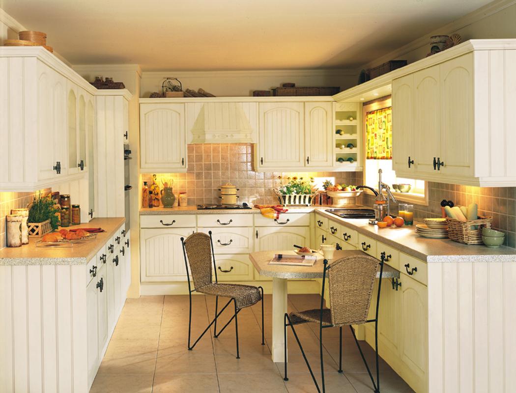 Devon kitchens kitchenworld exeter cottage cream kitchen for Kitchen style images