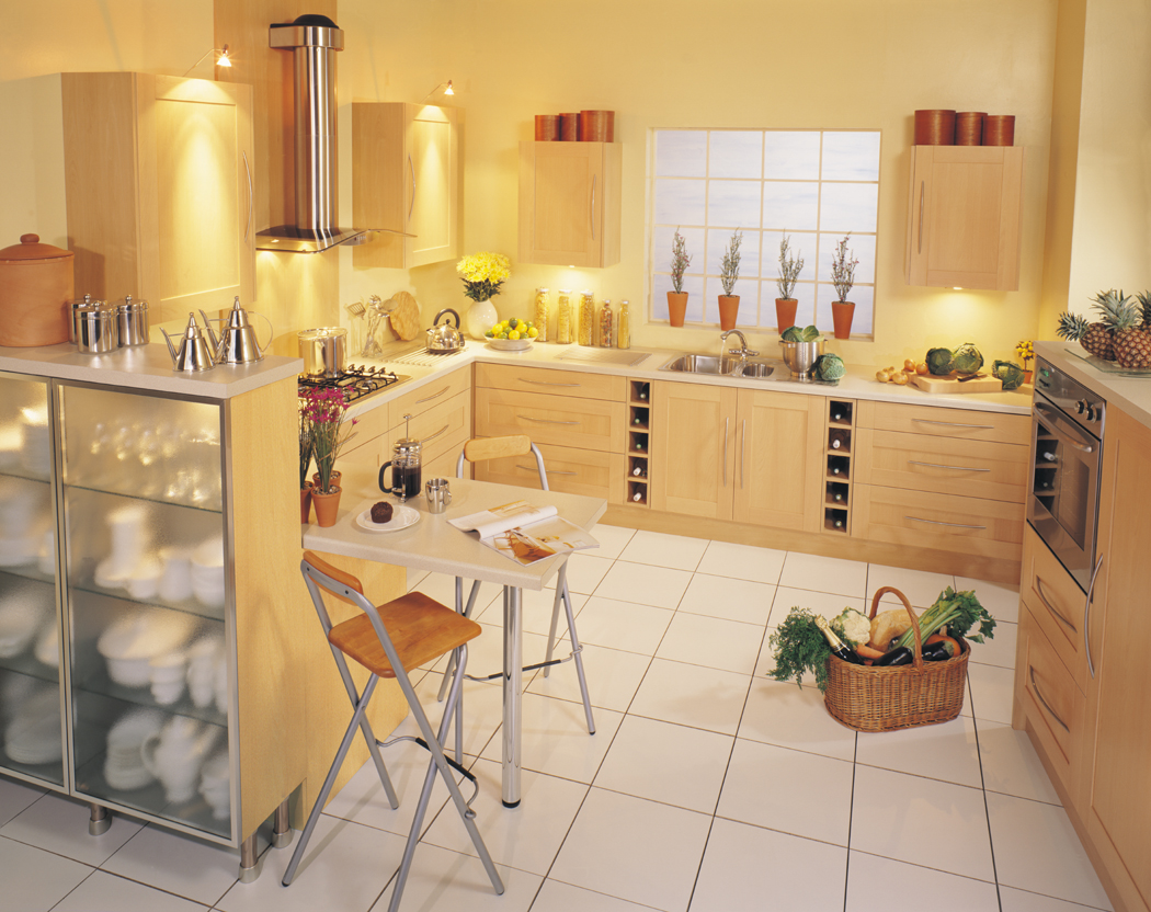 Devon Kitchens - Kitchenworld Exeter - Decor Beech Kitchen